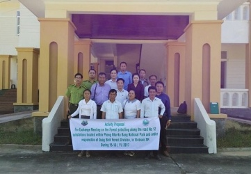 Delegation of Khammouane Agriculture and Silviculture Department, Laos PDR works in Phong Nha – Ke Bang National Park